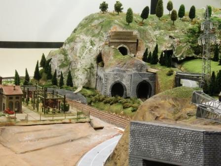gallerie montagna - lato est e scorcio centrale elettrica